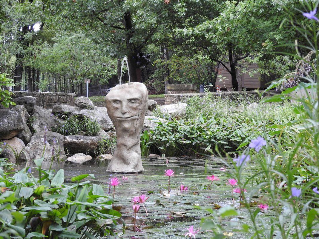 Shanie Tomassini sculpture