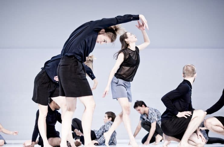 By: Deborah Hay, dancers: In the front: Unn Faleide, Eleanor Campbell, Samuel Draper. In the back: Barry Brannum, Eszter Czédulás, Paolo Mangiola, photo: Urban Jörén