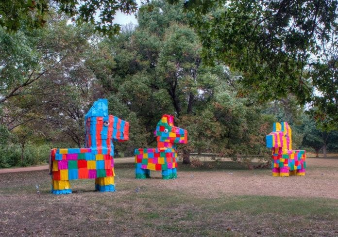 Las Pinatas, David Goujon (temporary installation)