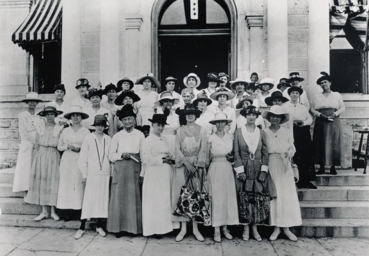 Women registering to vote at the Travis County Courthouse in 1918, PICA 11669, Austin History Center, Austin Public Library
