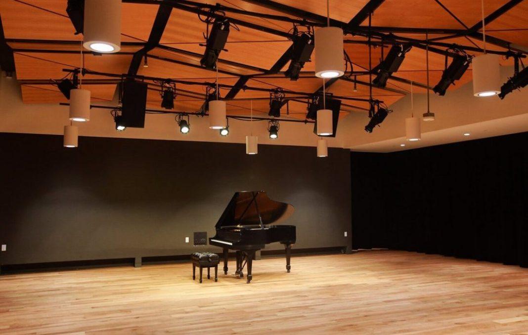 Draylen Mason Music Studio