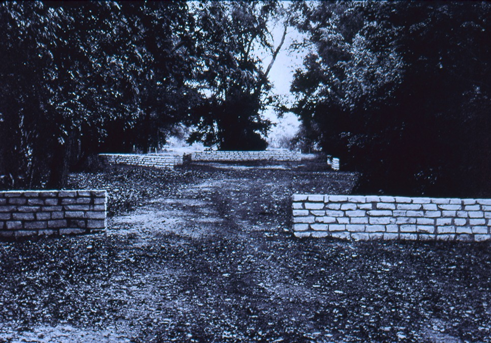 "Elyn Zimmerman, ""Sightline/Intersection,"" 1980, Laguna Gloria Art Museum, Austin, Texas. Image courtesy the artist."